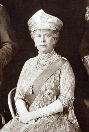 Фото №5 - Сколько стоит самое дорогое украшение королевы Елизаветы