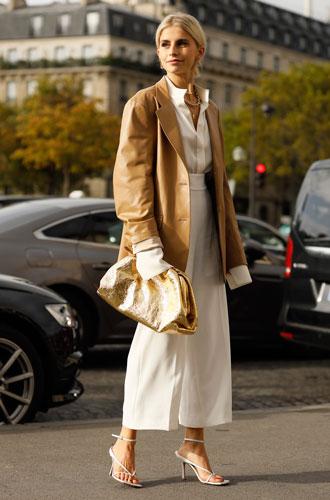 Фото №14 - С чем носить белую рубашку: стильные идеи на любой случай