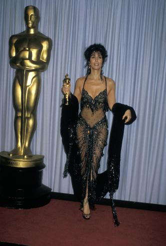 Фото №13 - От Дианы до Рианны: самые скандальные платья в истории моды