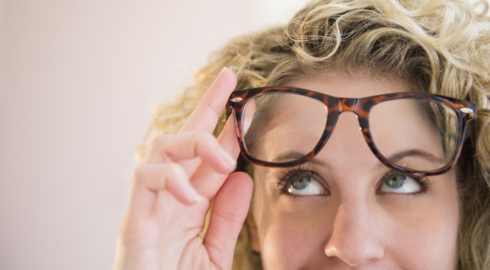Очки, линзы или лазерная коррекция: что выбрать?