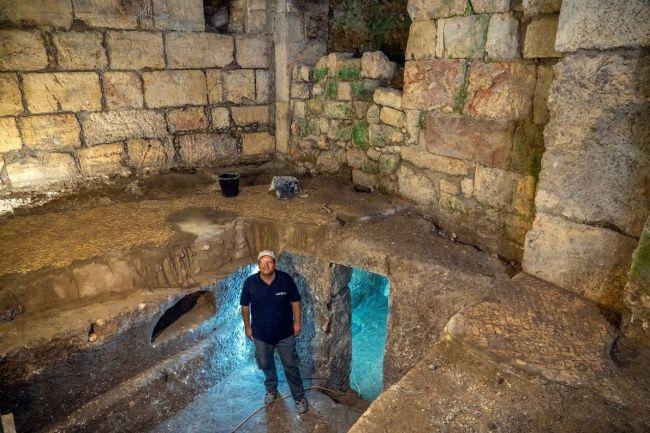 Фото №1 - Под Стеной Плача обнаружены подземные камеры
