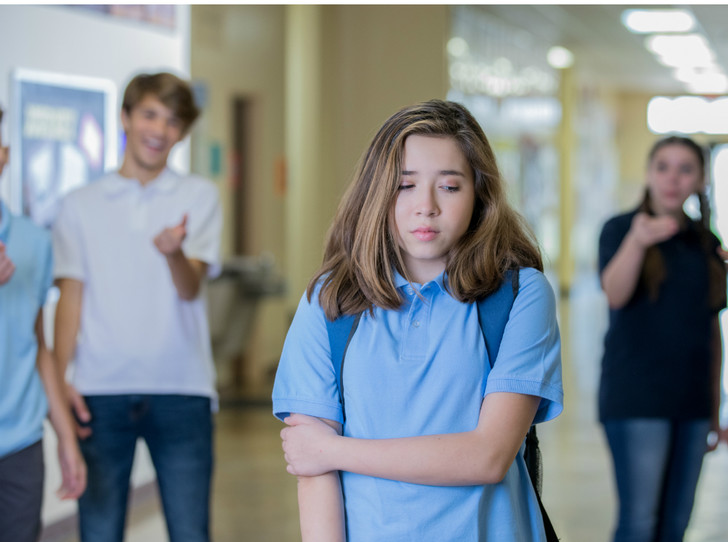 Фото №6 - Что делать, если ребенка обижают в школе: советы психолога
