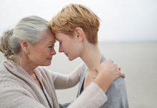 Мать и дочь: отдалиться, чтобы стать ближе