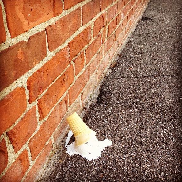 Фото №17 - Звездный Instagram: Знаменитости едят мороженку