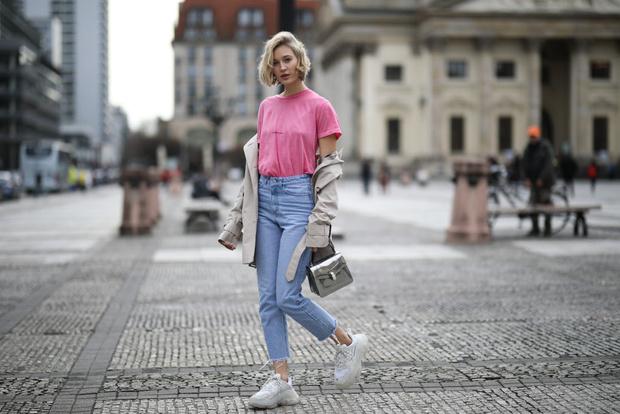 Фото №3 - Полезные советы: как продлить жизнь старой одежде?