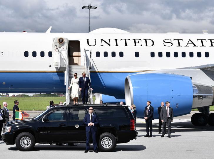 Фото №2 - Дональд Трамп сравнил свою супругу Меланию с Жаклин Кеннеди