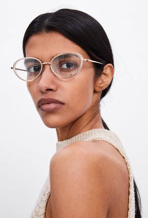 Фото №5 - Очки на лето: самые модные модели сезона 2019