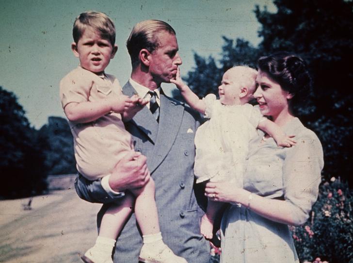Фото №4 - Какой матерью Елизавета II была для своих детей