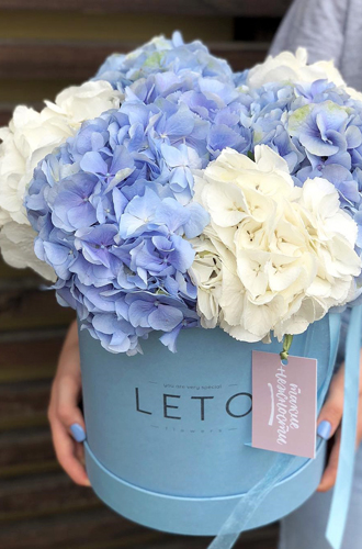 Фото №4 - Практичная флористика: почему букеты в вазах, корзинах и шляпных коробках стали так популярны