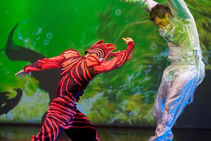 Фото №1 - Театрально-цирковое шоу  «Человек-амфибия»