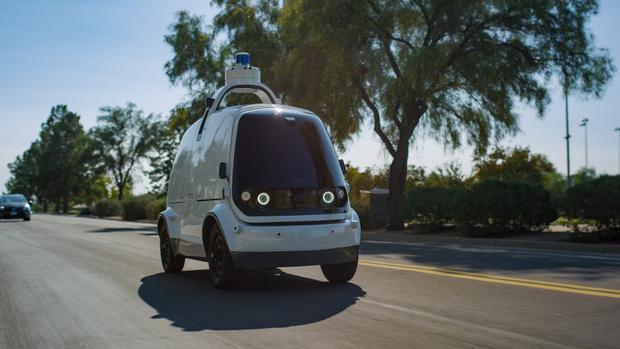 Фото №2 - В Калифорнии на дороги выпустили беспилотные автомобили для доставки еды