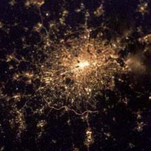 Фото №1 - Космонавт сфотографировал Лондон