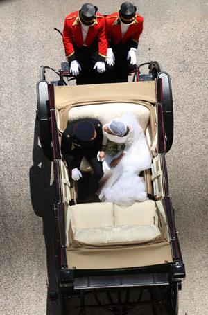 Фото №5 - Как был сделан самый известный свадебный снимок принца Гарри и Меган Маркл