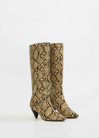 Сапоги на каблуке с эффектом змеиной кожи, Violeta by Mango, 8499 руб.