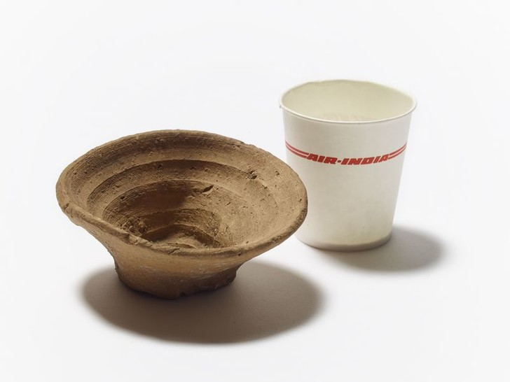 Фото №1 - Когда появилась первая одноразовая посуда