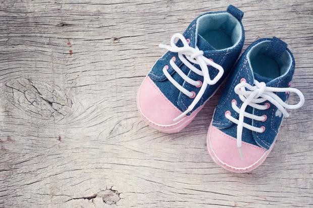 Фото №1 - Специалисты MOTHERCARE дают советы по подбору летней обуви для детей