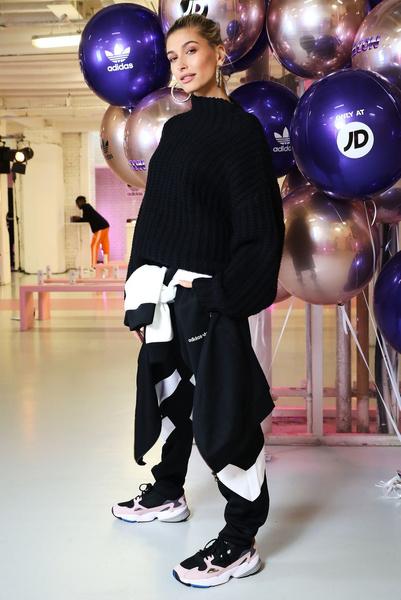 Фото №2 - Как носить спортивную одежду в обычной жизни и выглядеть классно