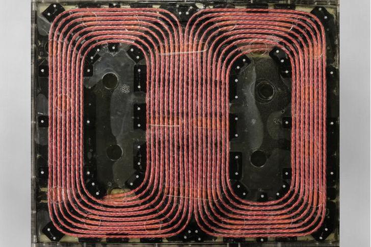 Фото №1 - Создана 120-киловаттная беспроводная зарядка для транспортных средств