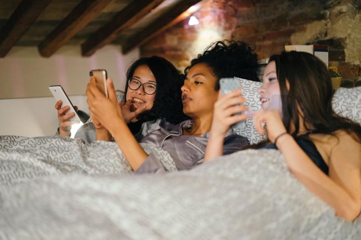 Фото №1 - Зависимость от смартфона оказалась сродни наркомании