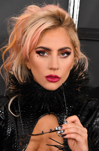 Фото №33 - Как хорошела Леди Гага: все о громких бьюти-экспериментах звезды