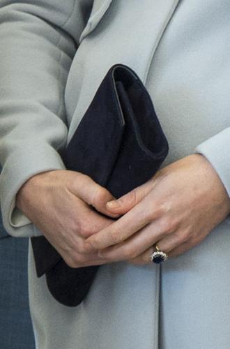 Фото №47 - Королевский дресс-код: любимые сумки герцогини Кембриджской