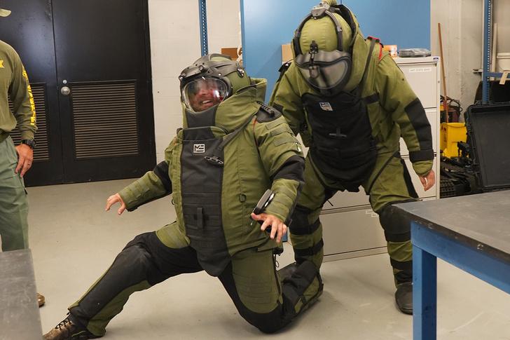 Фото №2 - Профессия— сапер: как работают те, кто останавливает взрывы