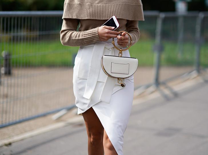 Фото №1 - Как носить самые модные юбки сезона: мастер-класс от звезд street style хроник
