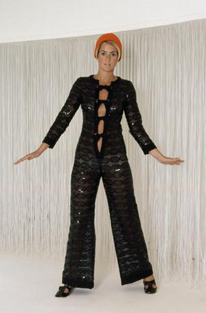 Фото №6 - Единое целое: как носить модные комбинезоны