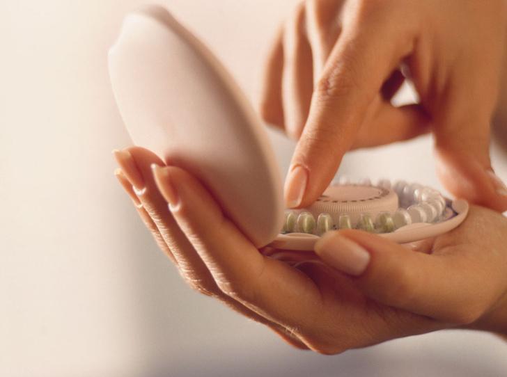 Фото №1 - Защитная реакция: гид по новым методам контрацепции и не только