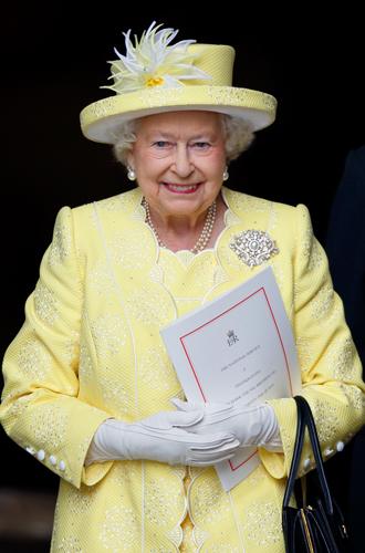 Фото №7 - Как королева намекнула на связь с Меган на свадьбе