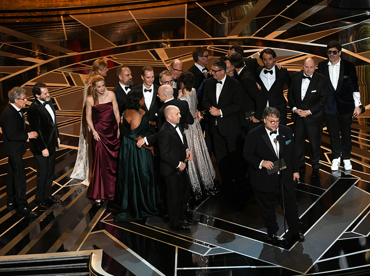 Фото №13 - Сколько стоил «Оскар-2018» (и кто выиграл, а кто проиграл)