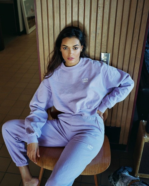 Фото №4 - Очень уютно: что носит дома модель Жизель Оливейра
