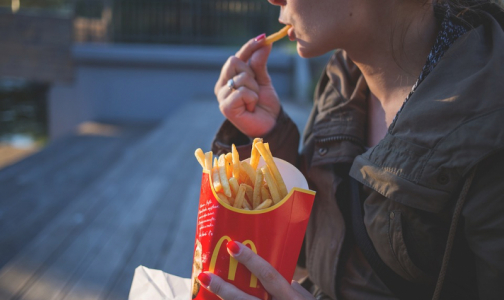 Фото №1 - Ученые назвали продукты, которые усиливают депрессию
