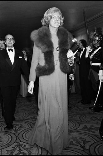 Фото №13 - Первые леди Франции: от Ивонны де Голль до Карлы Бруни-Саркози