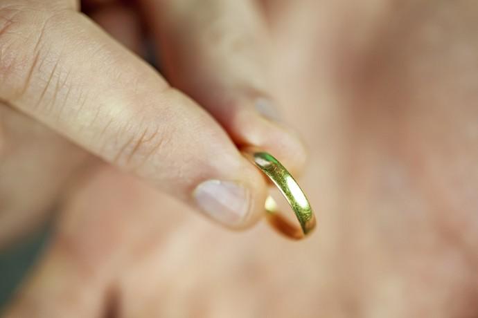 Муж настоял на разводе»