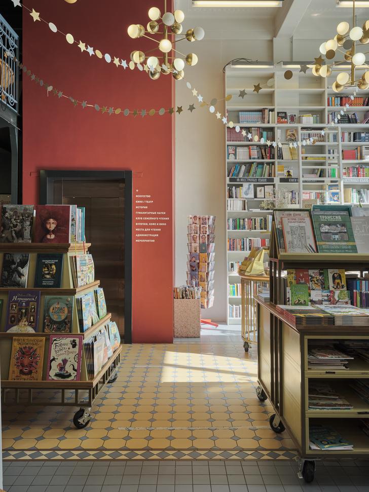 Фото №14 - Обновленный книжный магазин «Подписные издания» в Петербурге
