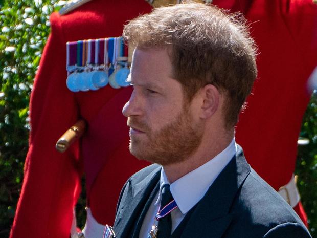 Фото №1 - Возвращение домой: почему Гарри боялся ехать на похороны принца Филиппа