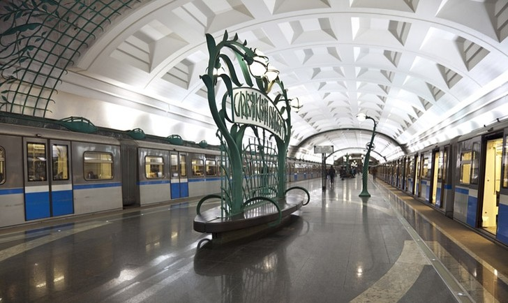 Фото №12 - Подземные дворцы и не только: самые красивые в мире станции метро