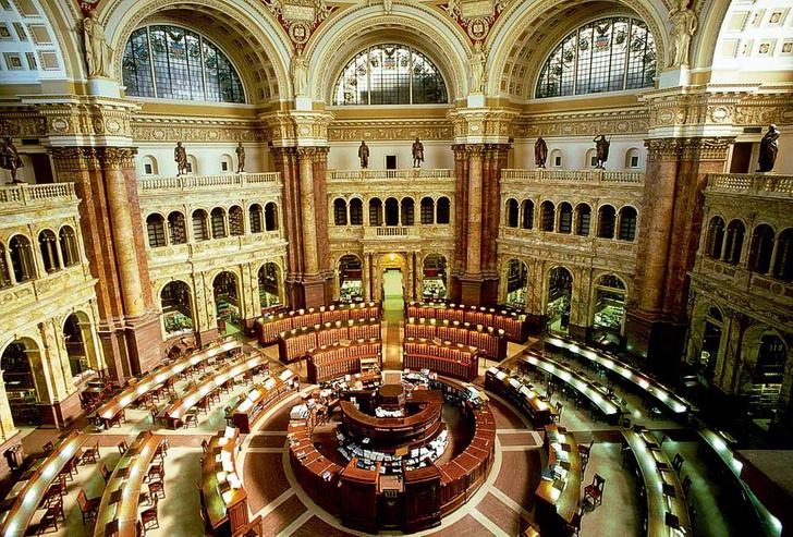 Фото №11 - Книжный мир: 12 потрясающих библиотек