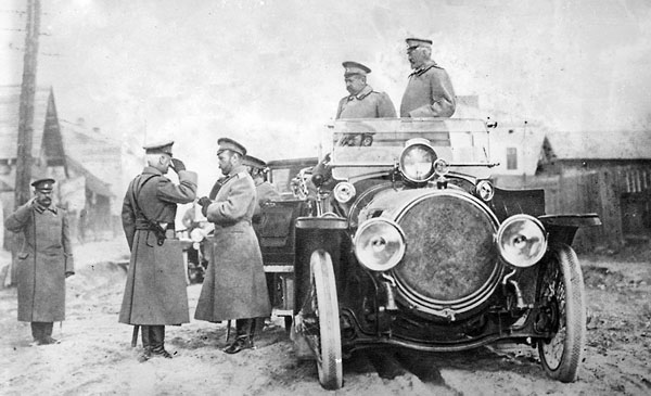 Фото №1 - Лимузины для слуг пролетариата