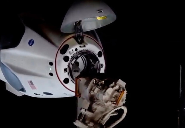 Фото №1 - SpaceX вновь доставила на МКС астронавтов на корабле Crew Dragon. В чем его уникальность