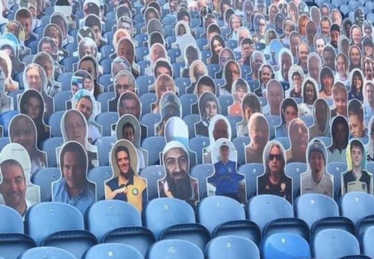Фото №1 - Британский футбольный клуб извинился за картонного бен Ладена, появившегося на трибунах