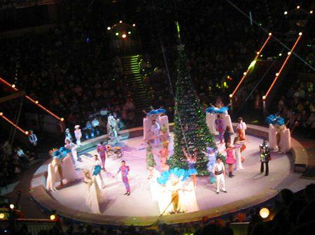 Фото №1 - Новогодний спектакль «Небылица» в Цирке на Вернадского