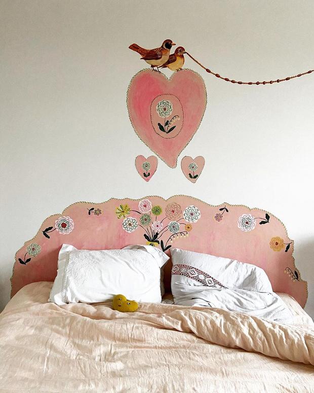 Фото №6 - Французская художница расписала свой дом цветами