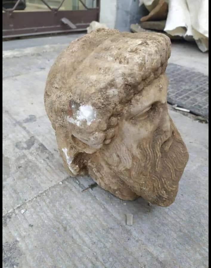 Фото №1 - В Афинах нашли голову античной скульптуры Гермеса