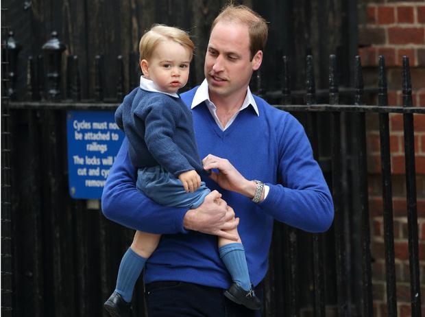 Фото №1 - Идеальный отец: новое фото принца Уильяма с детьми стало вирусным