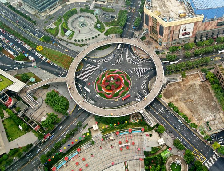 Фото №1 - Пешком над землей: Как развивается самый молодой район Шанхая