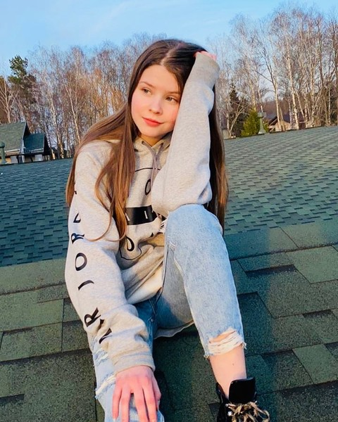 Фото №2 - Марина Зудина показала младшую дочь Олега Табакова
