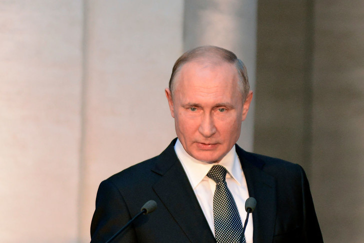 Месяц выходных: нерабочие дни в России продлены до 30 апреля