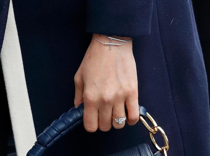 Фото №4 - Секретные символы: как Меган Маркл отдает дань уважения Королеве